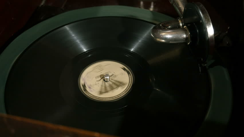 Vintage old gramophone, playing a record | Shutterstock HD Video #1007103487