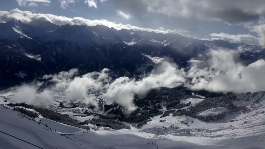 Header of ski