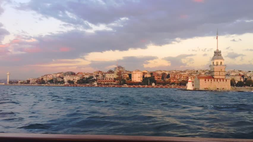 Maiden's Tower (K?z Kulesi)  from a passing boat