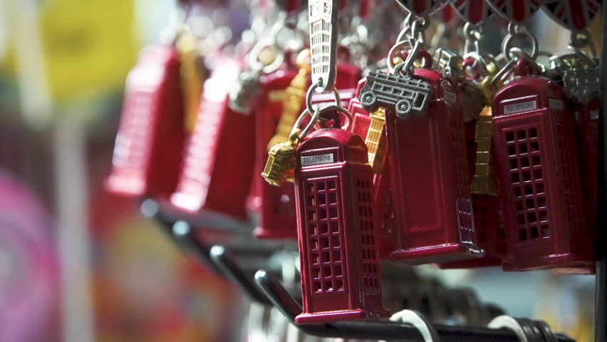 Souvenirs from London keychain Big Ben and red telephone booth.