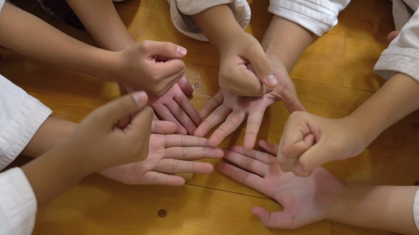 Japanese girl finger play,Kids finger play,Japanese girls play, | Shutterstock HD Video #1030238447