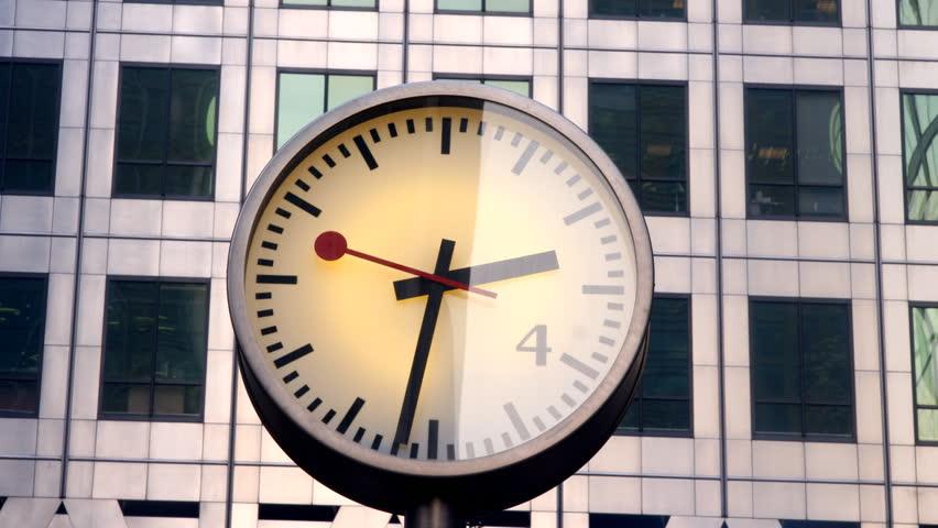 clock in london docklands