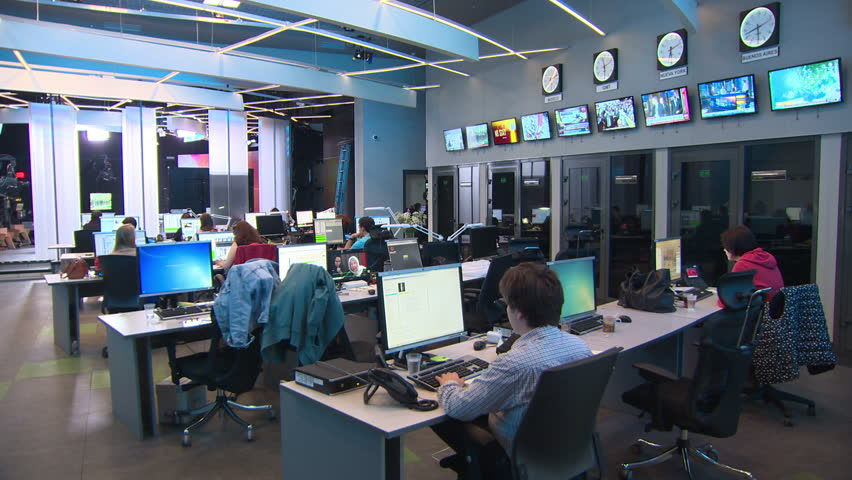 Dubai TV Set Design - Newsrooms - Broadcast Design International, Inc.