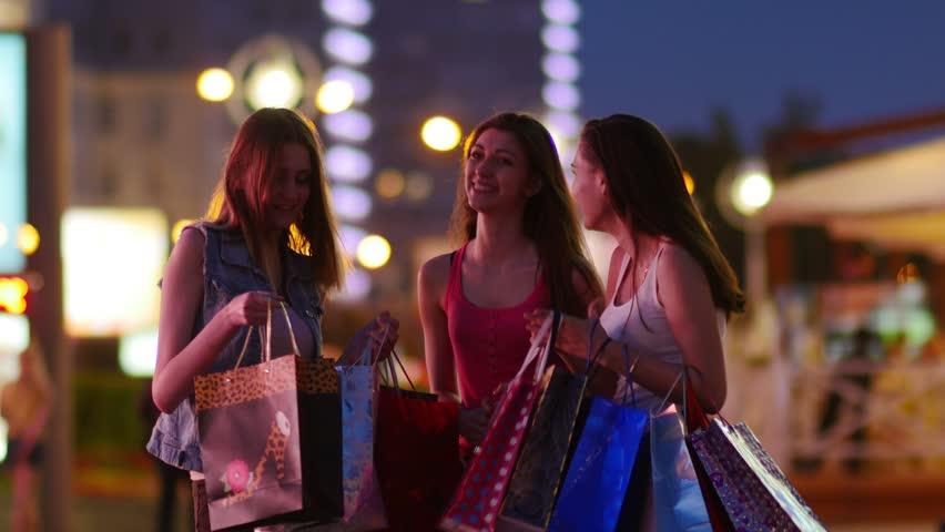 Afbeeldingsresultaat voor girls shopping night