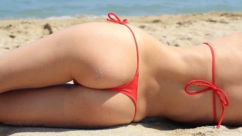 beach Sexy on in girls thongs
