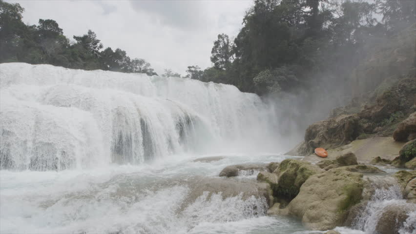 WS SLO MO View of waterfall - Mexico, Chiapas, Agua Azul, 03/07/2013