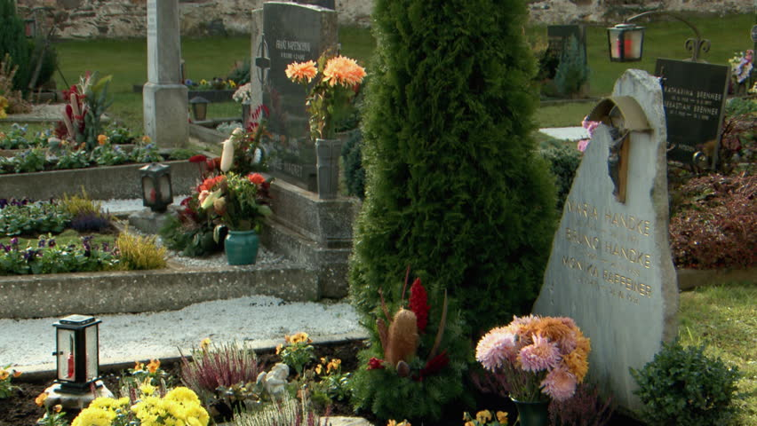MS Bouquet of flowers on tombstone / Carinthia, Austria