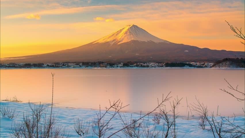 4K Time-lapse Movie Sunrise of mt. Fuji at Lake Kawaguchi, Japan