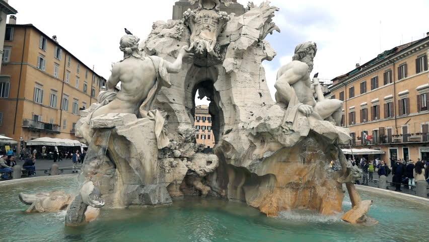 Fountain of the Four River (di Quatro Fiumi) in Piazza Navona in Rome, super slow motion