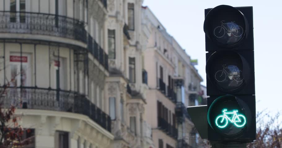 Red Yellow Green Street Light Bicycle Lane Bike Traffic Road Sign Cycling Route ( Ultra High Definition, UltraHD, Ultra HD, UHD, 4K, 2160P, 4096x2160 )