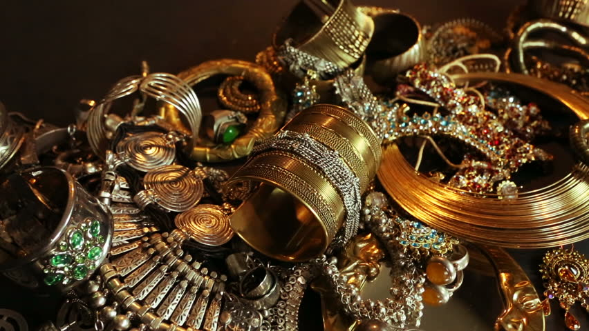 Beautiful Oriental Gold, Silver jewelry (Indian, Arab). Fashion Ethno Accessories, Asian Bridal jewelry, Bottom drawer. Tribal Moroccan belly Dance Jewelry. Necklace, Earrings, Bracelets. Treasure