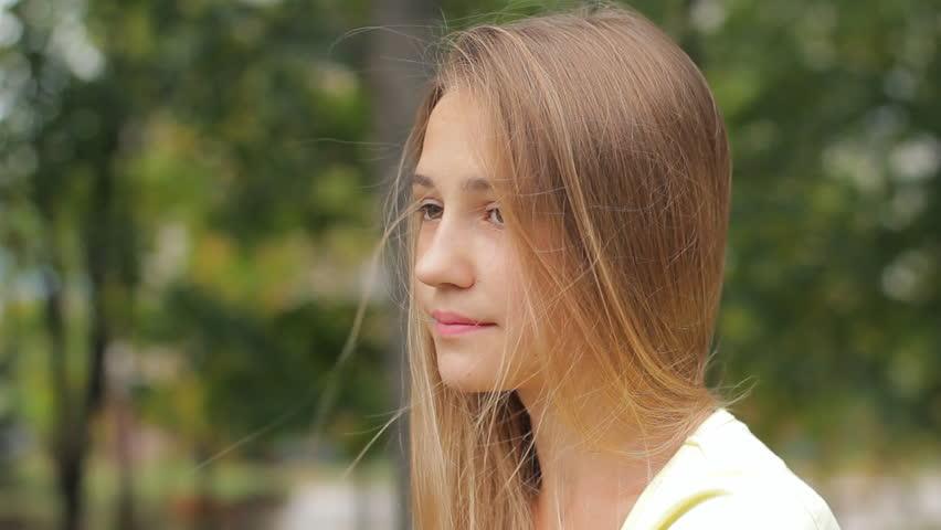 Sad Face Beautiful Young Girl Looking Away Outdoors, Close -4687
