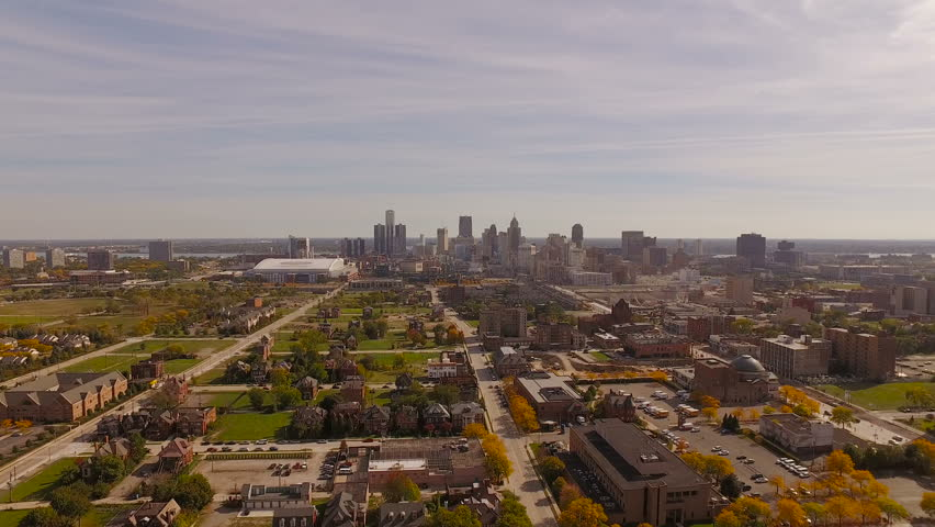 Detroit Aerial v106 Flying low towards downtown with cityscape views. 10/16