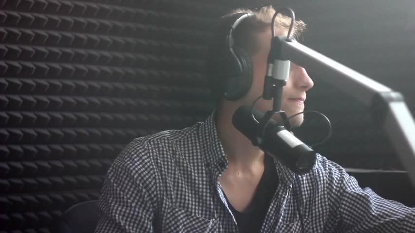 DJ broadcast