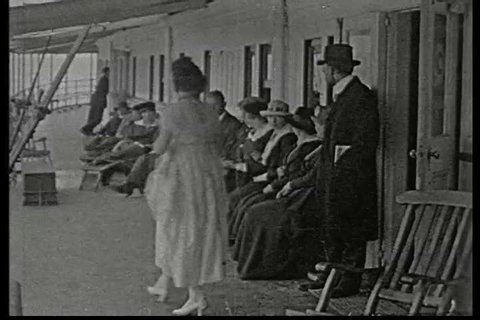 A shifty city slicker arrives at a farmhouse taking boarders and proceeds to woo the farmer\xEAs daughter, promising to take her on a fancy cruise ship in 1917. (1910s)