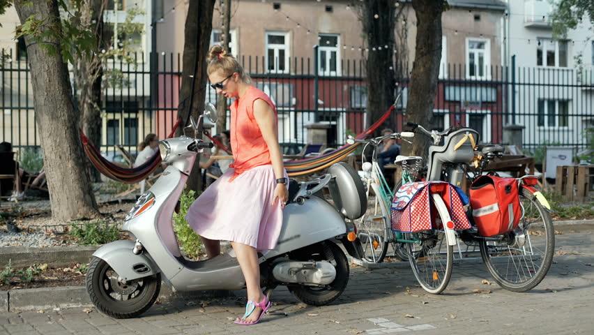 Stock Video Of A Girl With A Broken Leg 28902838 Shutterstock