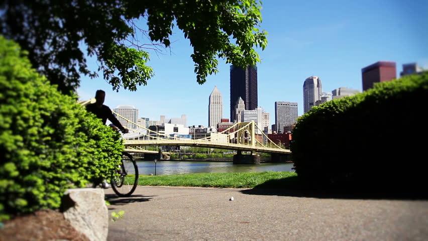 Pittsburgh bike riders on the north shore.