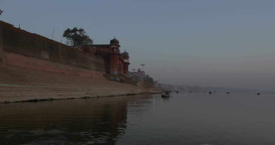 Time lapse of a boat ride in Varanasi, India.