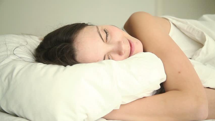 Photos of young girls sleeping — photo 8