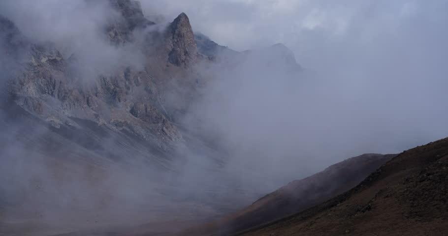 4k, Clouds drifting through mountain range time lapse, Haleakala, Hawaii
