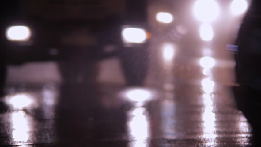 cars go at night in the rain sound
