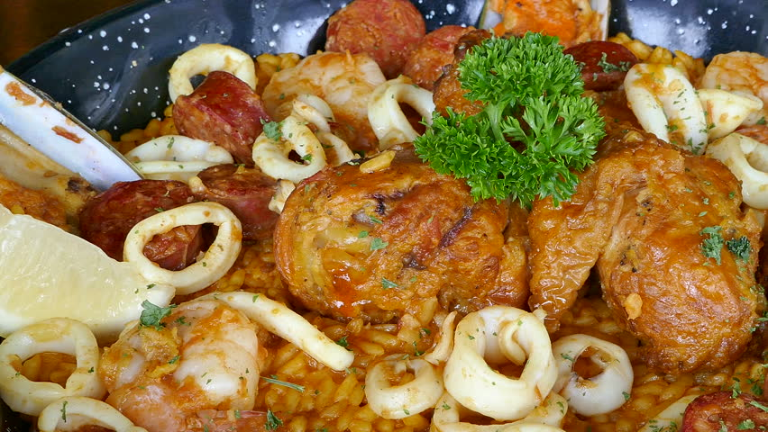 Header of paella