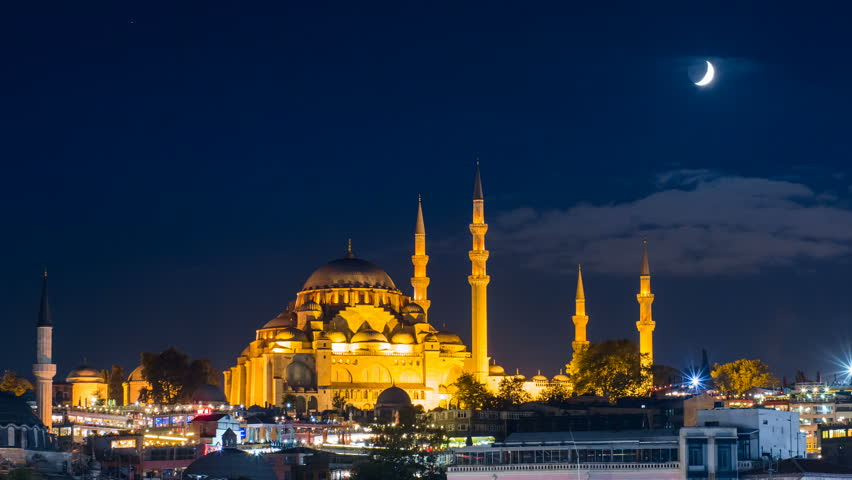 Pan timelapse of famous Suleymaniye mosque in Istanbul at night