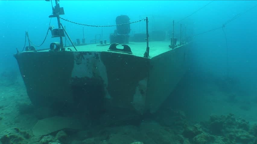 ship wreck underwater shipwreck moves