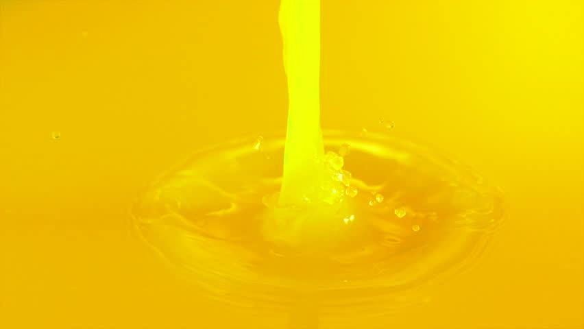 Pouring orange juice shooting with high speed camera, phantom flex.