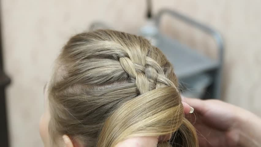 Master Making Hairstyle A Girl At The Beauty Salon Hairdresser - Video girl hairstyle