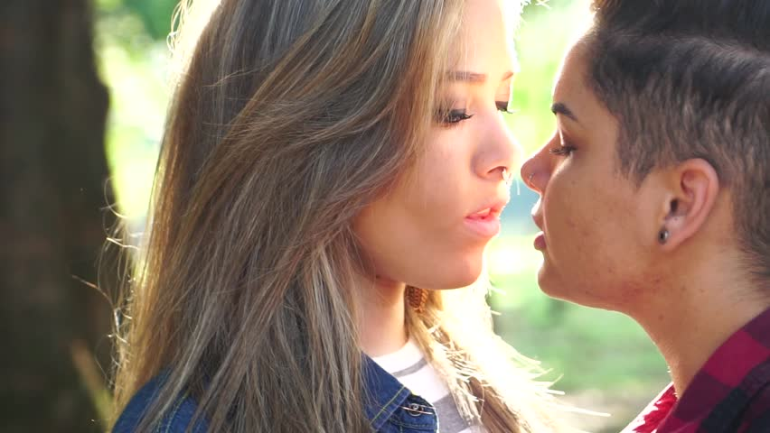 video clips teens Lesbian