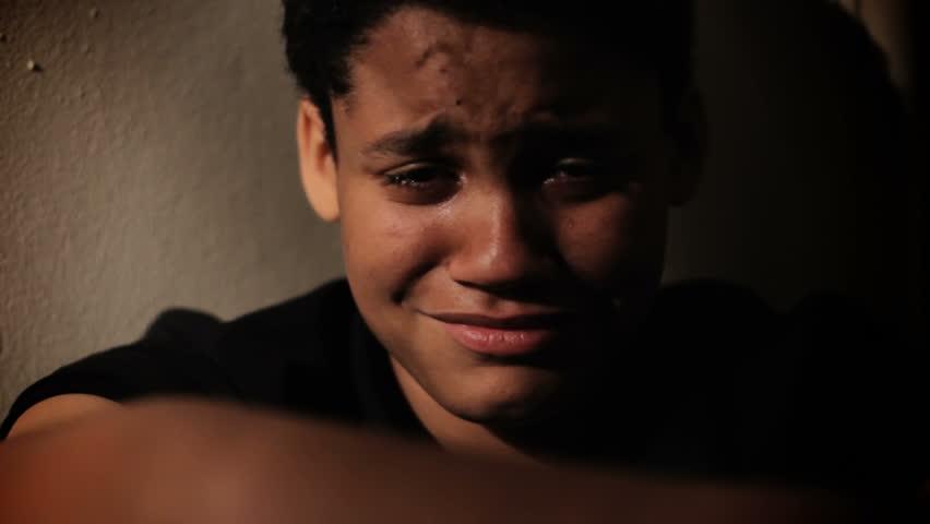 عکس گریه برای پروفایل پسرانه