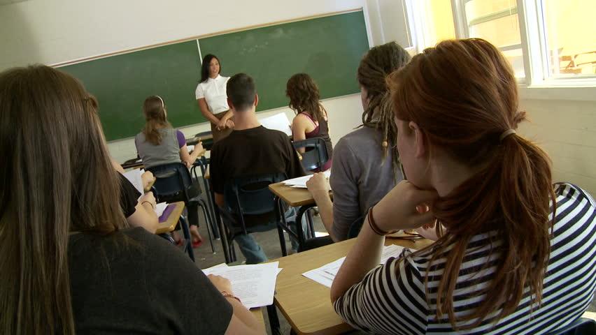 Afbeeldingsresultaat voor free picture classroom high school