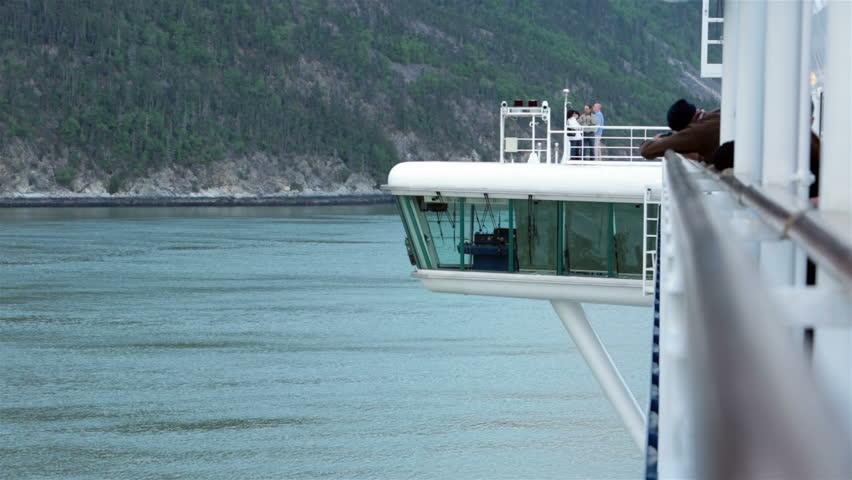 GLACIER BAY ALASKA MAY Passengers Return To Luxury Cruise - Flying cruise ship