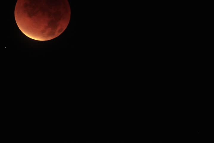 4K Lunar Eclipse Timelapse 05 December 2011
