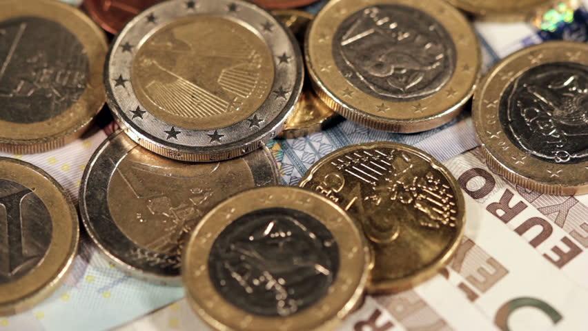 Euro coins, rack focus | Shutterstock HD Video #5092304
