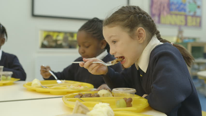 MS School children eating in catering
