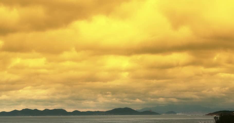 4k sparkling ocean sea water waves surface&coastal dusk reef coast cloud cloudscape.dark clouds.dusk,yellow sunset dawn.altocumulus,high cumulus cloud,mackerel sky. gh2_08311_4k