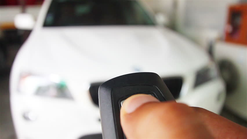 Lock the car by remote control