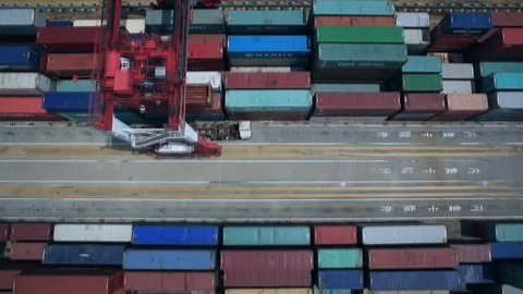 Shanghai, China -2014 January to November, the port container throughput 32.37 million TEU, an increase of 4.7%. China Port Container Throughput 184 220 000 Accumulated teu, an increase of 6.1%