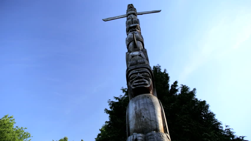Indian Totem Pole Red Cedar sculpture Stanley Park North American First Nation culture Vancouver Canada