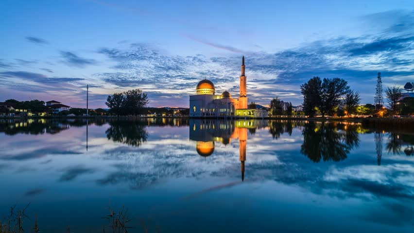 Morning Reflection At As Salam Mosque, Selangor, Malaysia. Time Lapse 4K