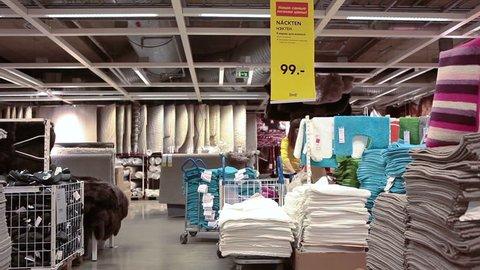 Big Garage Clear Out Best Intentions Vidéos De Stock 100