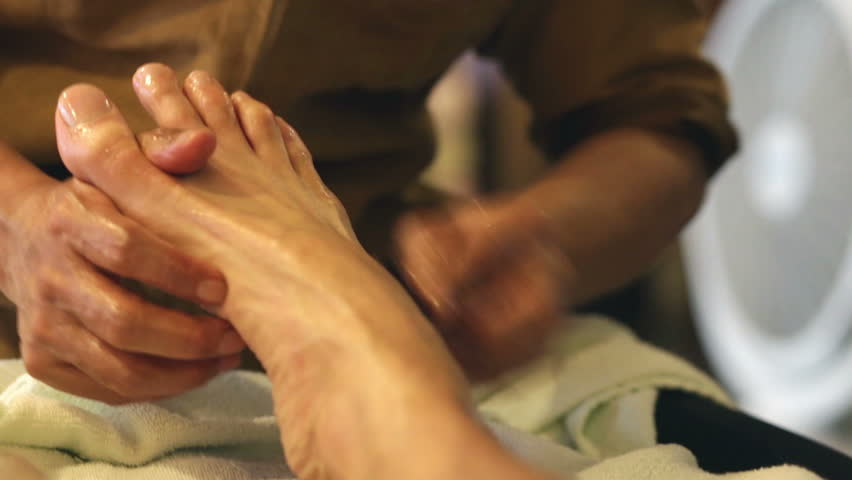 Massage with mature feet